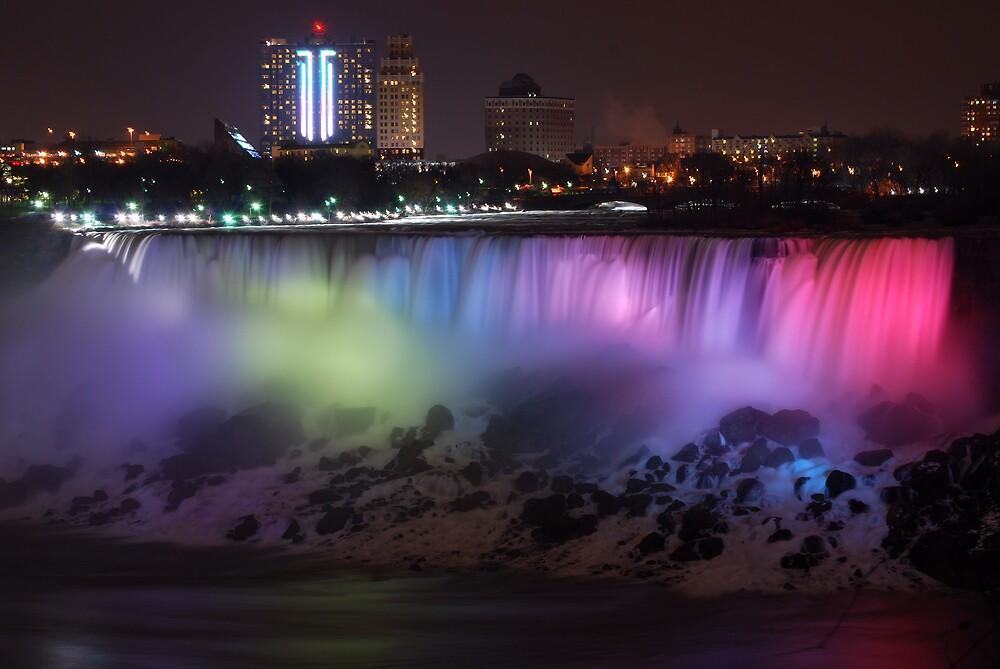 Night scene of Niagara Falls by fallsguy