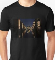Wasserschloss (Moated Castle) T-Shirt