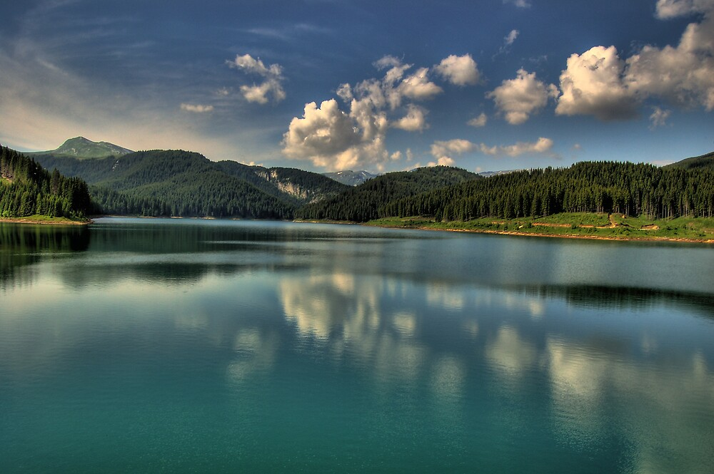 Mountain Lake by Shtefan