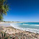 Noosa Heads Main Beach by Brad Baker