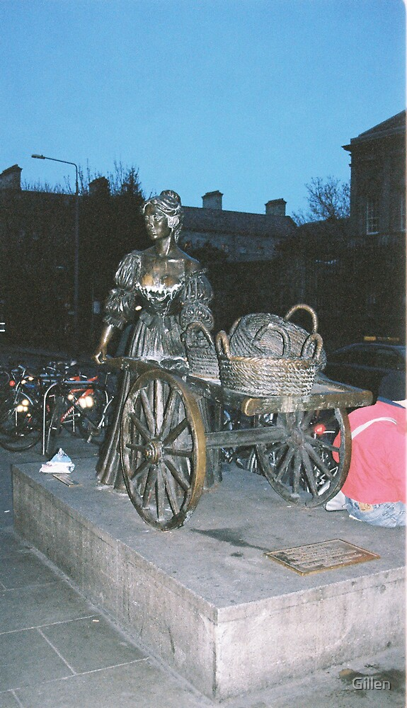 Molly Malone: Night Shift by Gillen