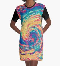 King wave Graphic T-Shirt Dress