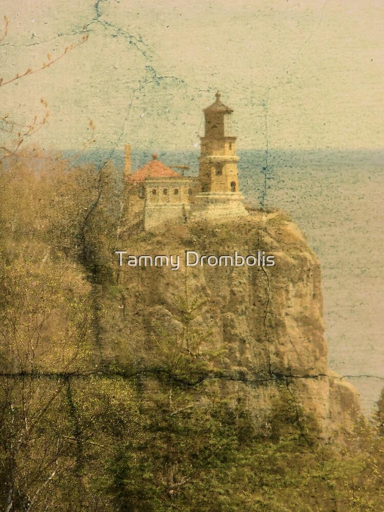 Split Rock Lighthouse by TingyWende