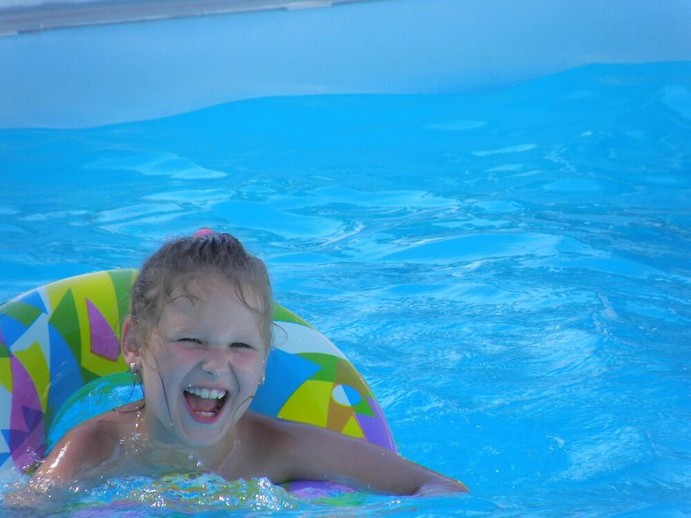 Pool little girl 2 by aquadrift