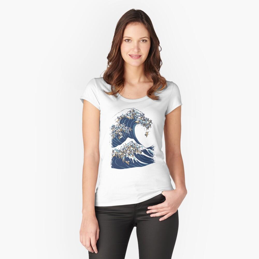 Die große Welle des Mops Tailliertes Rundhals-Shirt
