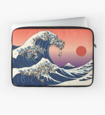 The Great Wave of Pug Laptop Sleeve