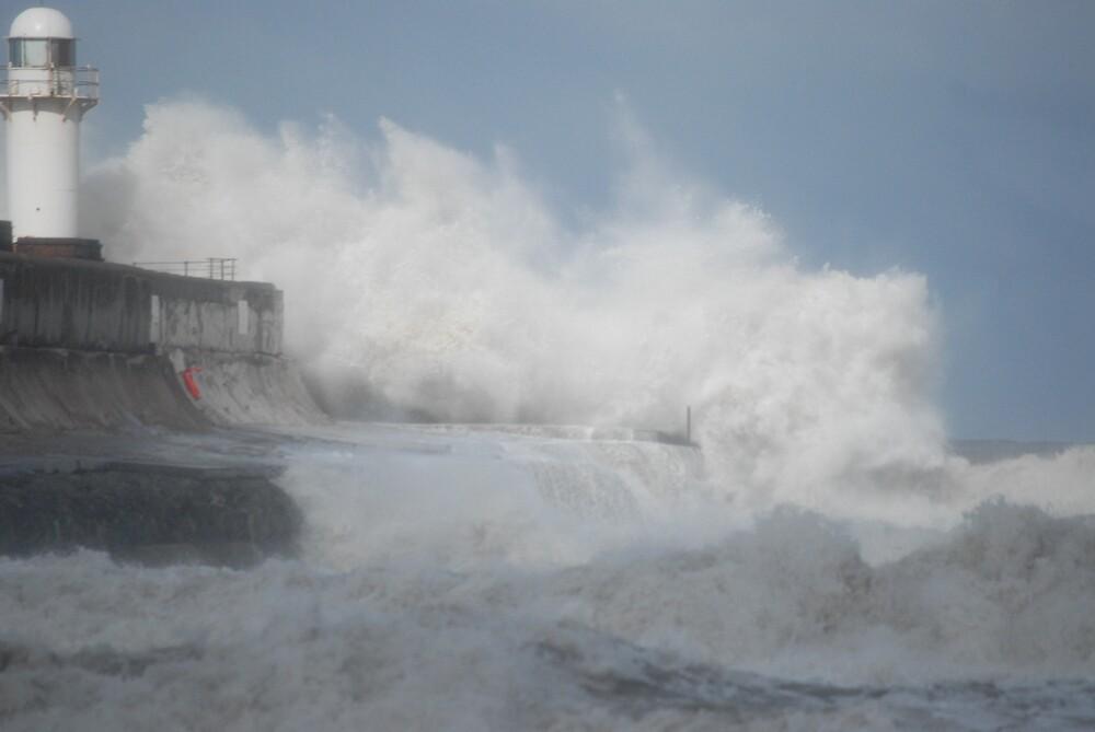 waves at the gare by WhartonWizard