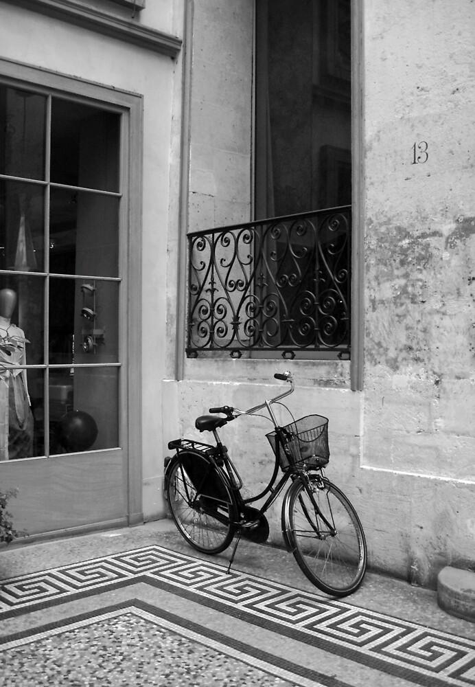 Parisian bicycle by eeet