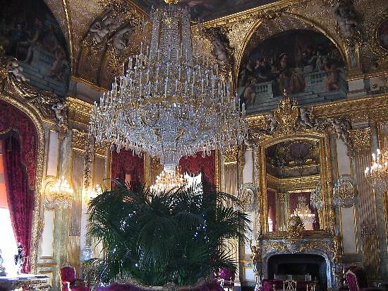 Napoleon's apartment at the Louvre, Paris by chord0