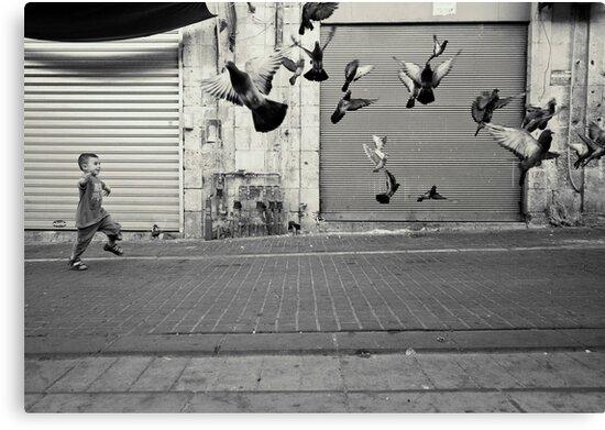 happy runner by Victor Bezrukov