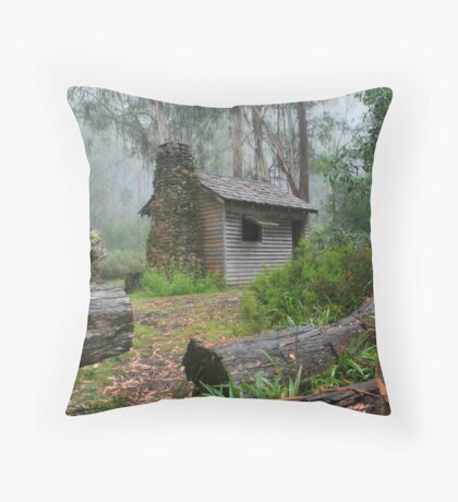 keppel hut Throw Pillow