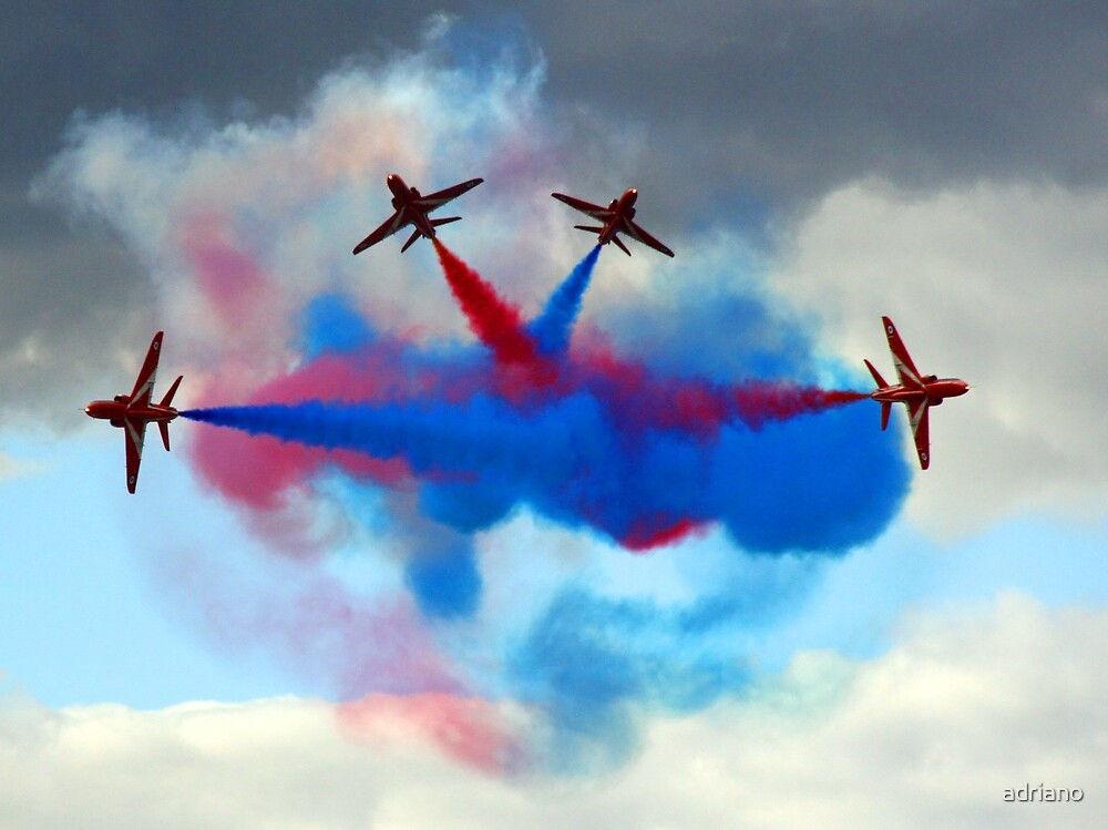 Red Arrows by adriano