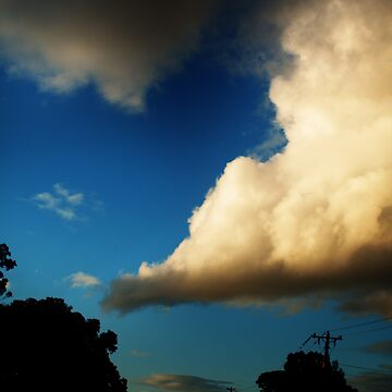 i love big clouds by Luckyvegetable
