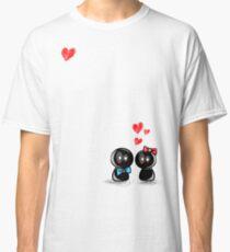 dolls in love Classic T-Shirt