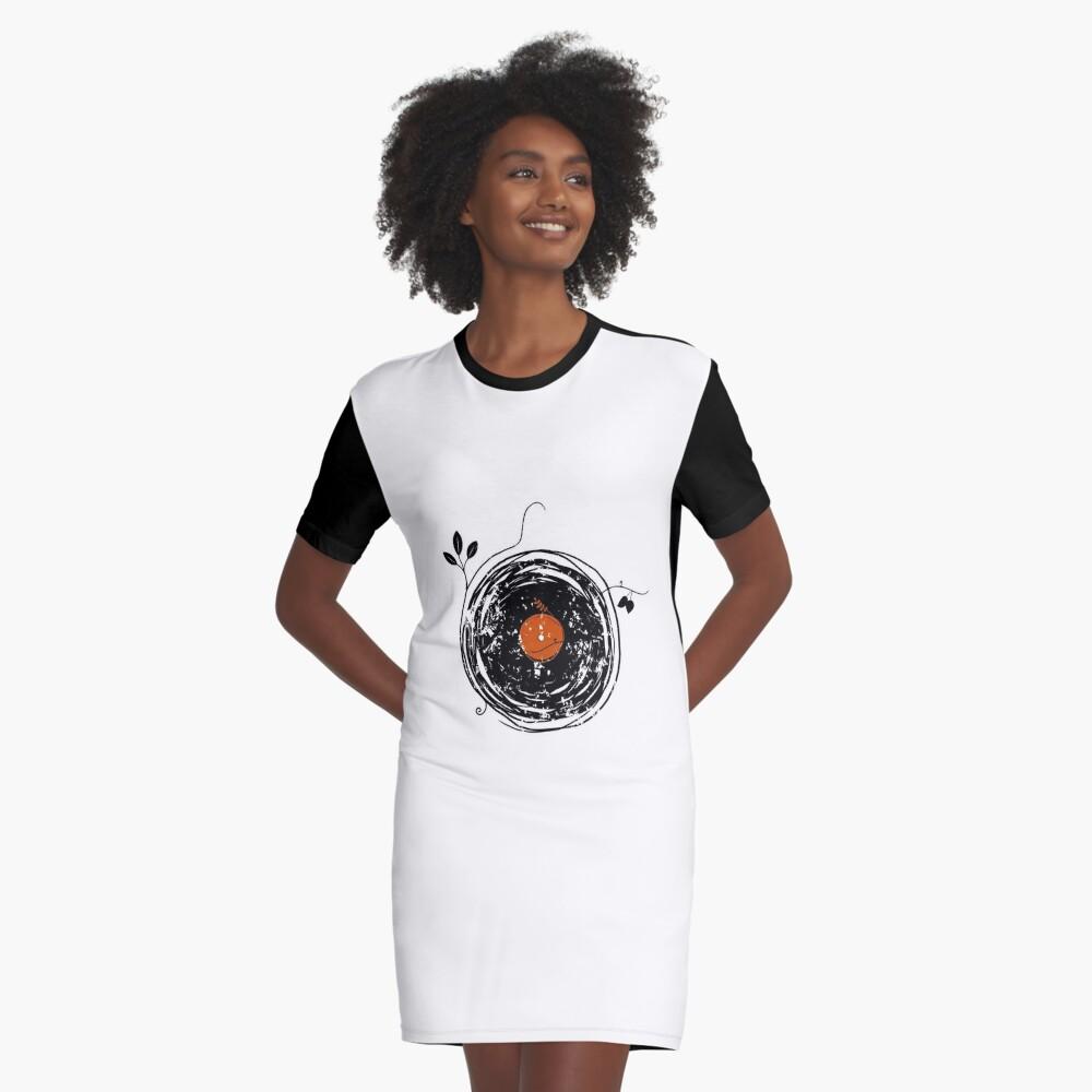Bezaubernde Schallplatten Vintage T-Shirt Kleid Vorne