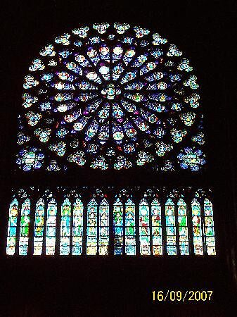 Inside Notre Dame Cathedral, Paris by chord0