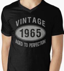 Vintage 1965 Birthday Men's V-Neck T-Shirt