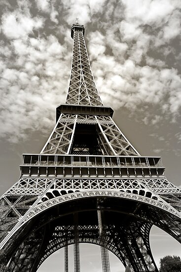 Eiffel Tower by Igor Drondin