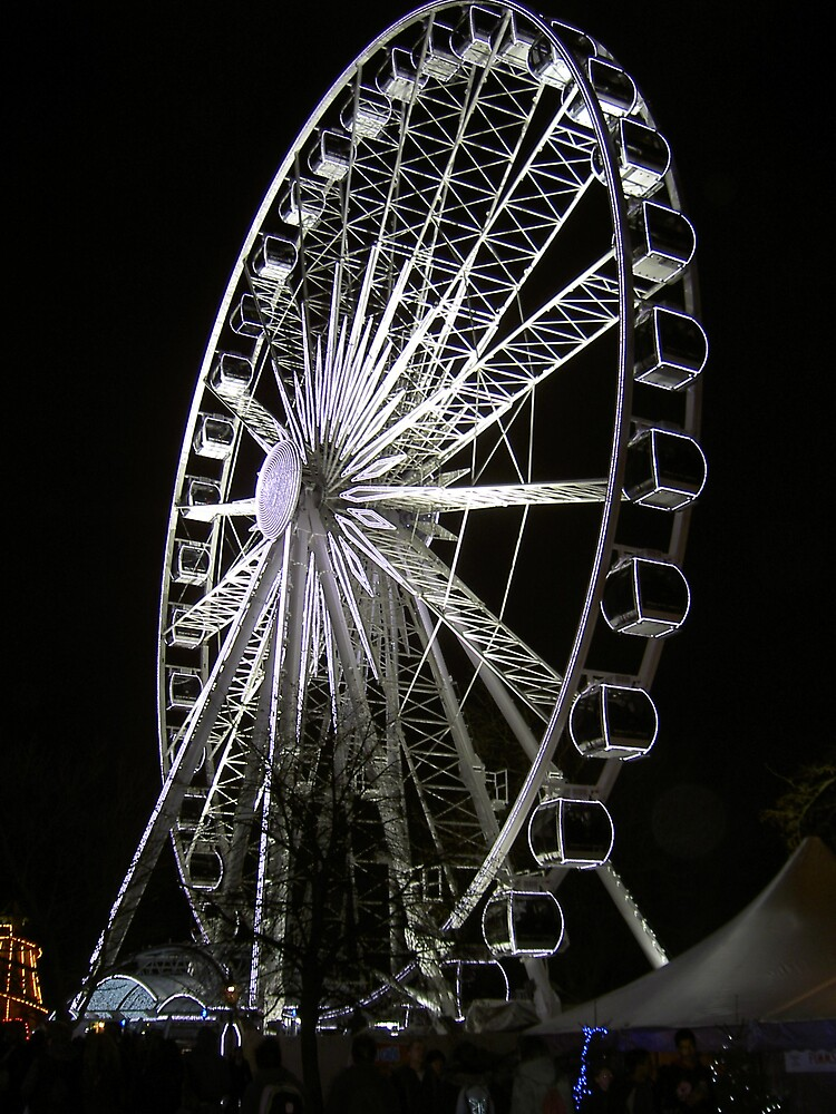 Ferris Wheel at night by Shapwickian