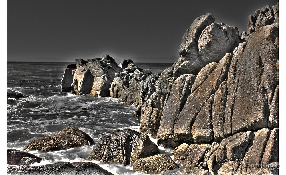 Rocky Beach... by Leonell Puso