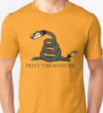 Treten Sie nicht auf Net | Netzneutralität Slim Fit T-Shirt