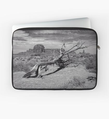 Gnarled Beauty In the Valley Laptop Sleeve