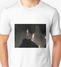kim kick-her T-Shirt