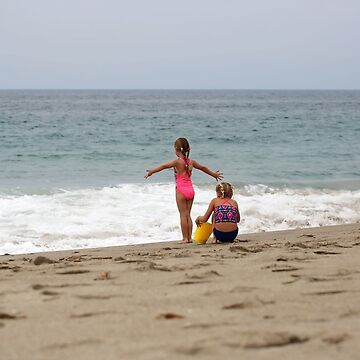 Two girls Watching The Waves  by nanti