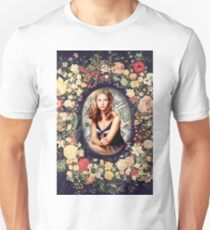 BUFFY, the queen T-Shirt