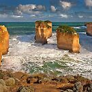1723 Apostles national park by Hans Kawitzki