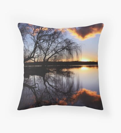 Mannum willows Throw Pillow