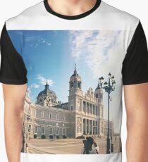 Almudena Graphic T-Shirt