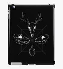 Marauding Skulls - inverted iPad Case/Skin