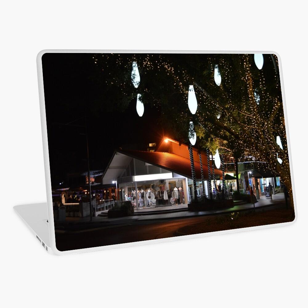 Hastings nach Einbruch der Dunkelheit Laptop Folie