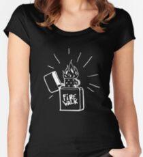 Feuerlauf Feuerzeug T-Shirt Das Leben ist seltsam Vor dem Sturm Chloe Preis T-Shirt Tailliertes Rundhals-Shirt