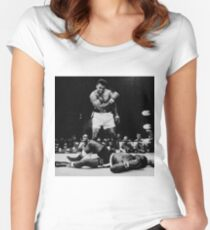 Muhammad Ali Knocks Out Sonny Liston Women's Fitted Scoop T-Shirt
