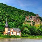Clemenskapelle and Burg Reichenstein by Tom Gomez