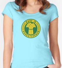 Made in Saskatchewan Logo (Gold & Green) Women's Fitted Scoop T-Shirt