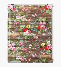 Elegant pink roses floral rustic brown wood iPad Case/Skin