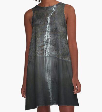 Wasserfall (Das Unbekannte) A-Linien Kleid