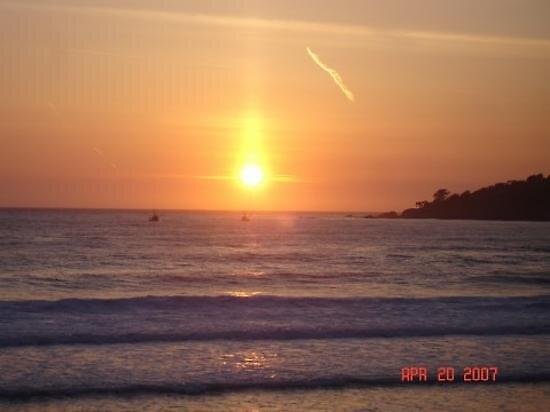 Sunset in Carmel beach, California by chord0