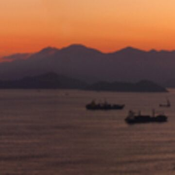 Hong Kong Sunset by Mercatorn