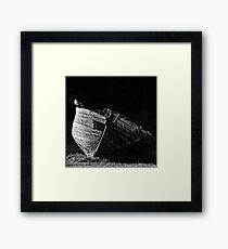 La barque et le goéland Framed Print