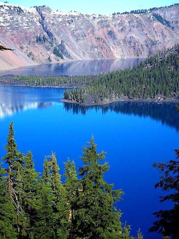Crater Lake by slobberslinger