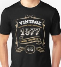 40th Birthday Gift Vintage 1977 Aged Perfectly T-Shirt