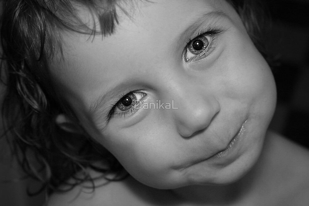 Twinkle In The Eyes by DanikaL