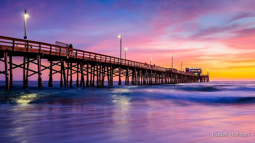 Newport Pier by Radek Hofman