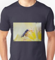 bee on buttercup T-Shirt