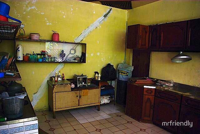 cracked kitchen by mrfriendly