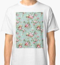 Chic elegant pink roses beautiful flowers pattern Classic T-Shirt